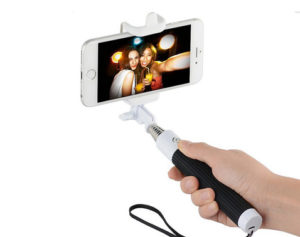 Černá-selfie-tyč-pro-Samsung