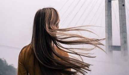 Nizoral šampon [recenze] – na akné, vlasy, lupy, cena a diskuze